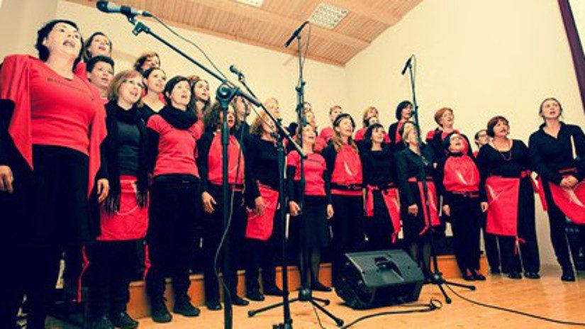 Kombinatke so praznovale v Pivki, 6. maja nastopajo v Cankarjevem domu.